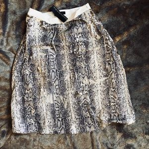Banana republic sequence skirt